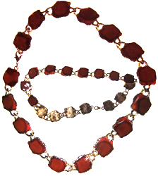 Enameled coral and gold tone coloured necklace